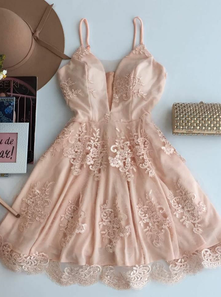 A-Line Spaghetti Straps Short Champagne Tulle Homecoming Dress with Appliques фото