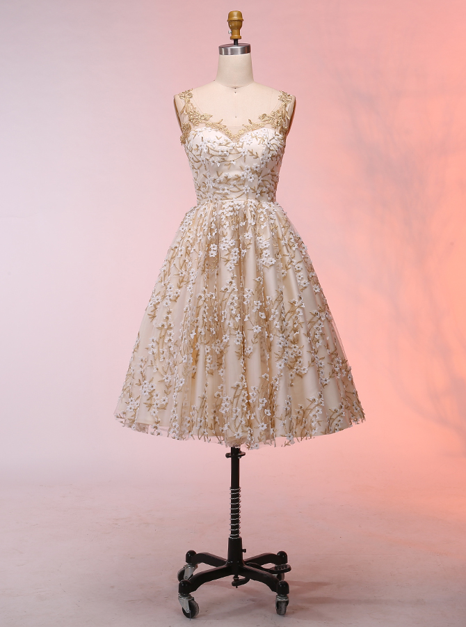 Simple-dress / A-Line Scoop Short Ivory Lace Prom Homecoming Dress with Appliques