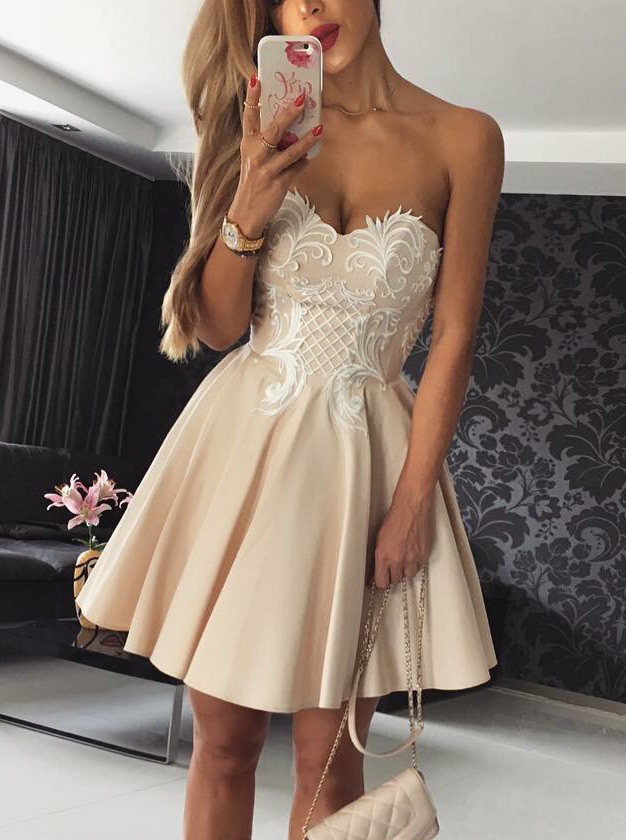 Simple-dress / A-Line Sweetheart Short Beige Satin Homecoming Dress with Appliques