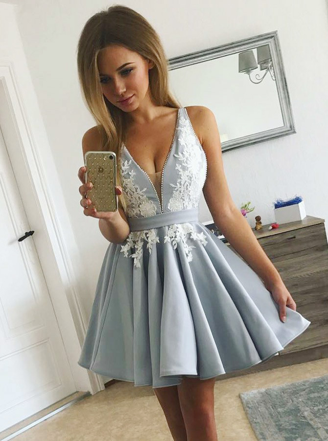 Simple-dress / A-Line V-Neck Pleated Light Blue Satin Homecoming Dress with Appliques