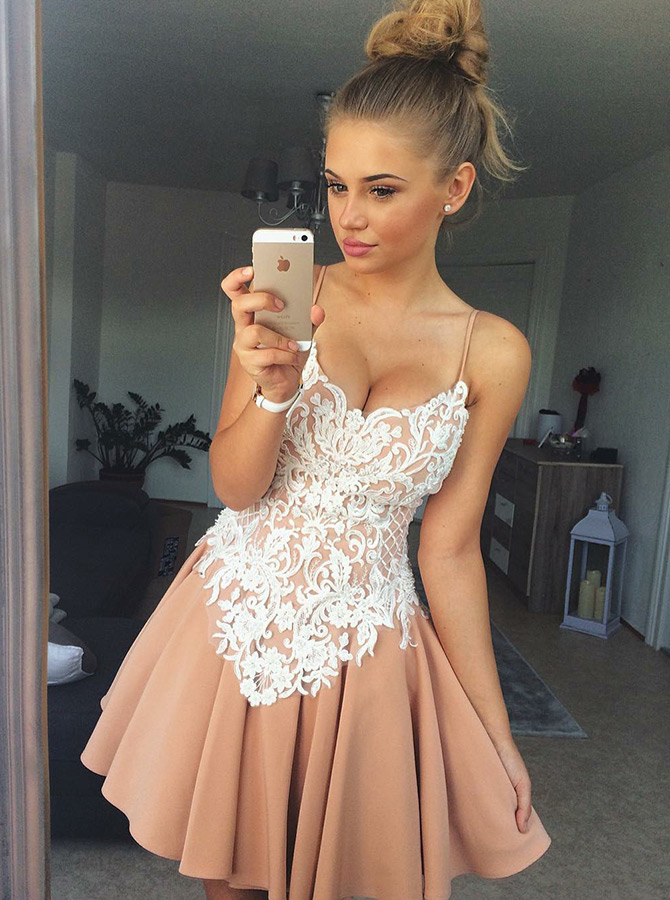Simple-dress / A-Line Spaghetti Straps Champagne Short Homecoming Dress with Lace