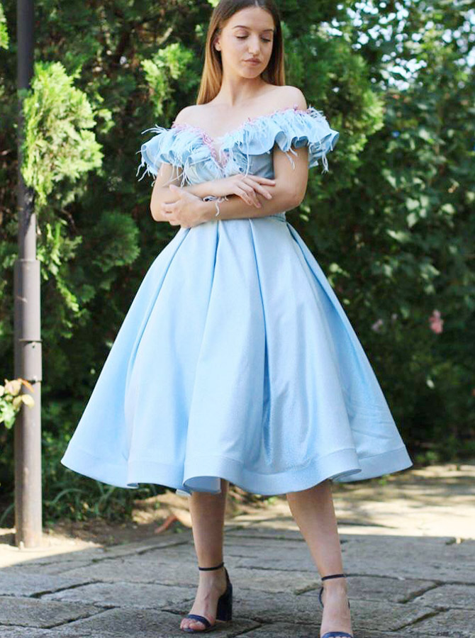 A-Line Off-the-Shoulder Blue Satin Homecoming Dress with Ruffles фото