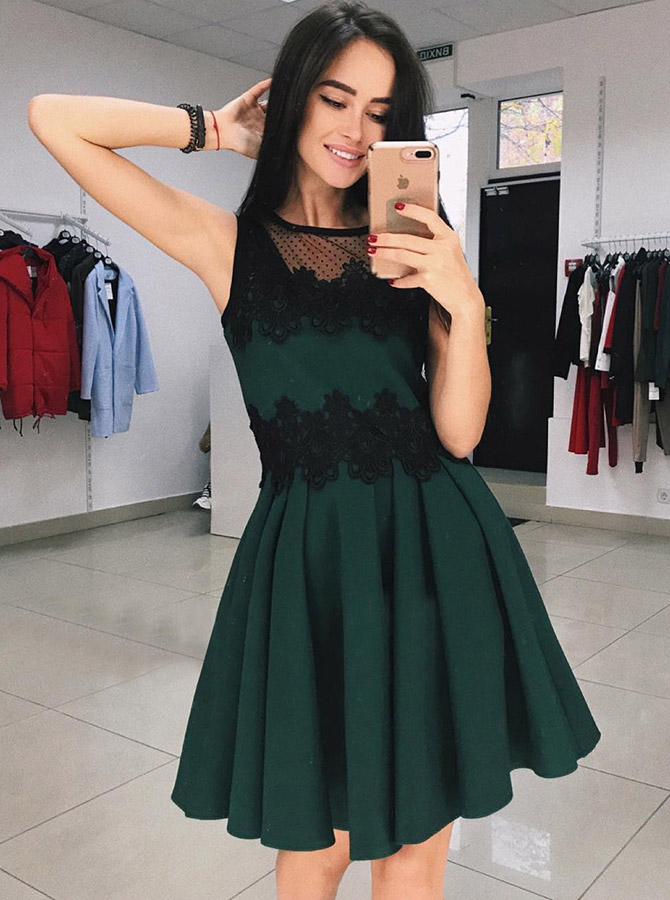Simple-dress / A-Line Round Neck Green Short Homecoming Dress with Appliques