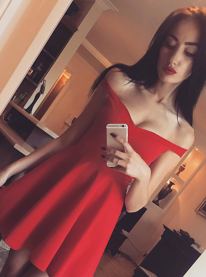 A-Line Off-the-Shoulder Short Red Satin Homecoming Dress фото