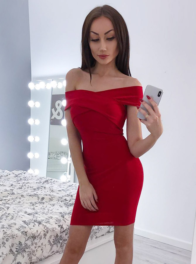 Sheath Off-the-Shoulder Red Satin Homecoming Party Dress фото