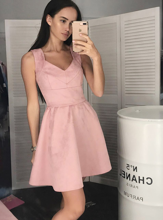 A-Line Scoop Sleeveless Pink Floral Satin Homecoming Dress фото