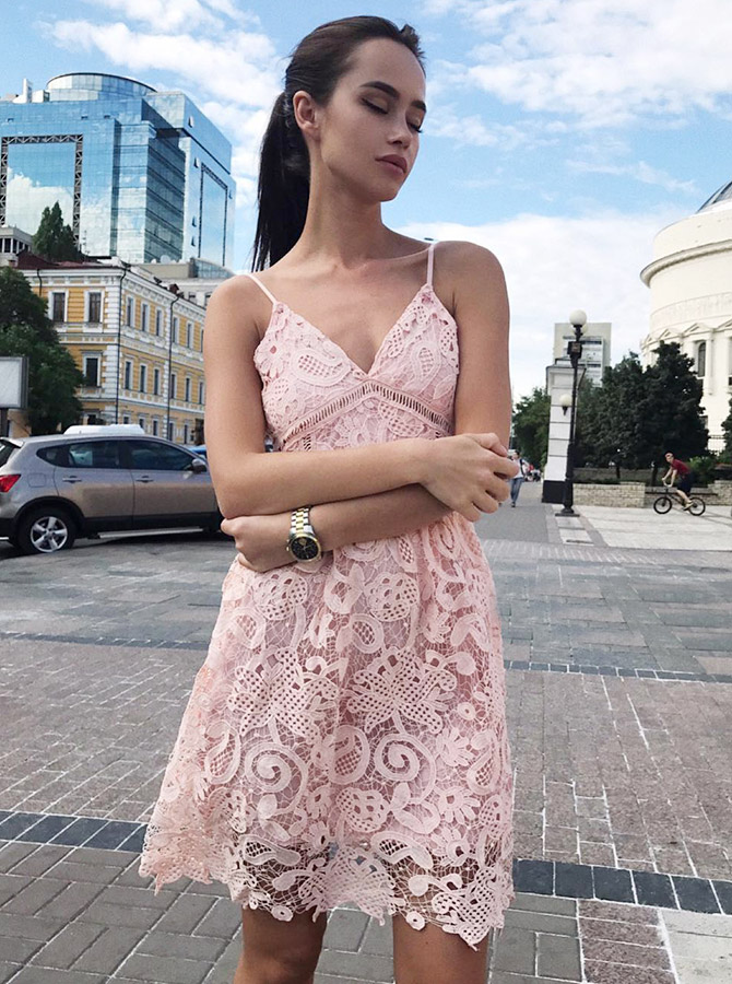 A-Line Spaghetti Straps Short Pink Lace Homecoming Party Dress фото