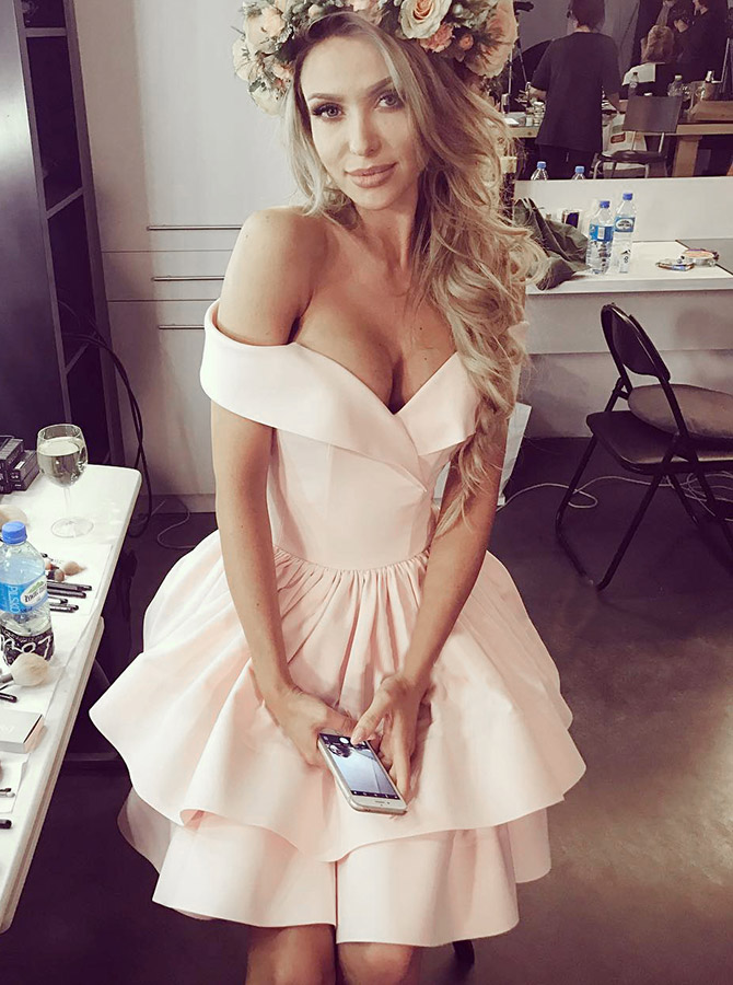 A-Line Off-the-Shoulder Tiered Pink Satin Homecoming Dress фото