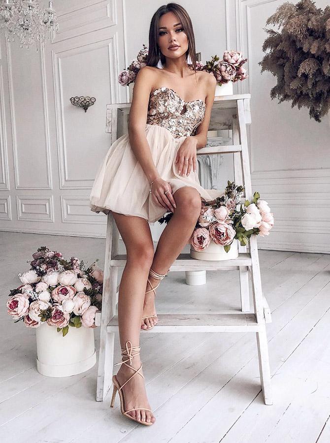 Simple-dress / A-Line Sweetheart Light Champagne Homecoming Party Dress with Appliques