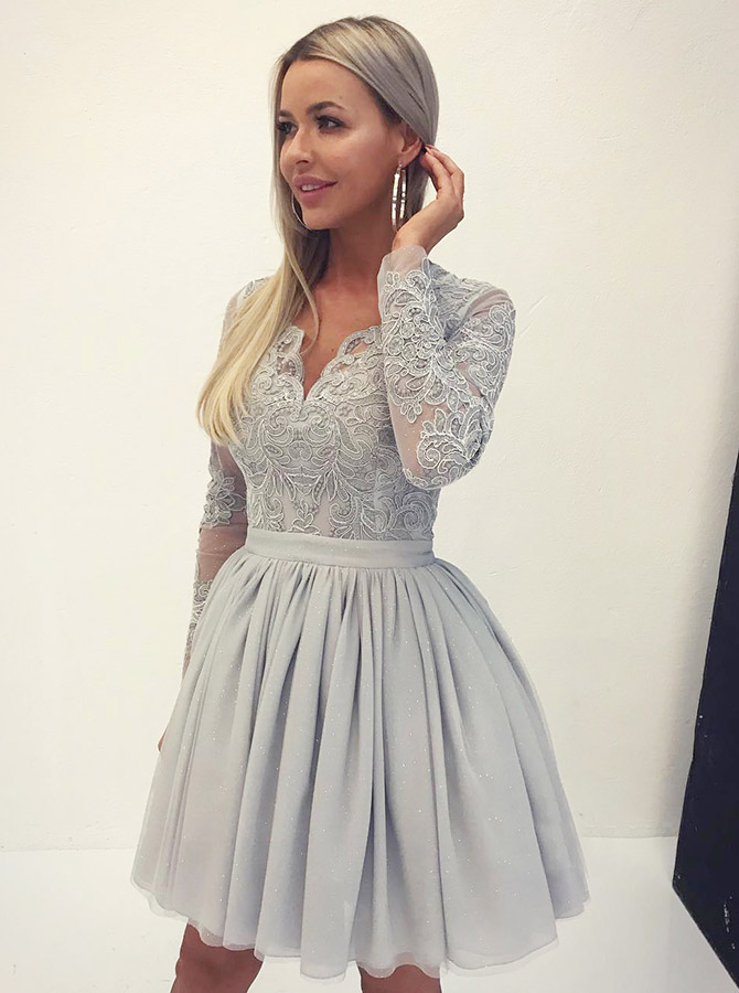 A-Line V-Neck Grey Tulle Short Homecoming Dress with Appliques Sleeves фото