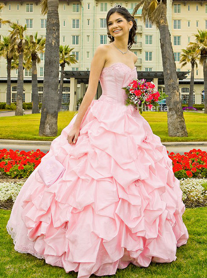 Ball Gown Sweetheart Pearl Pink Tiered Satin Quinceanera Dress with Appliques фото