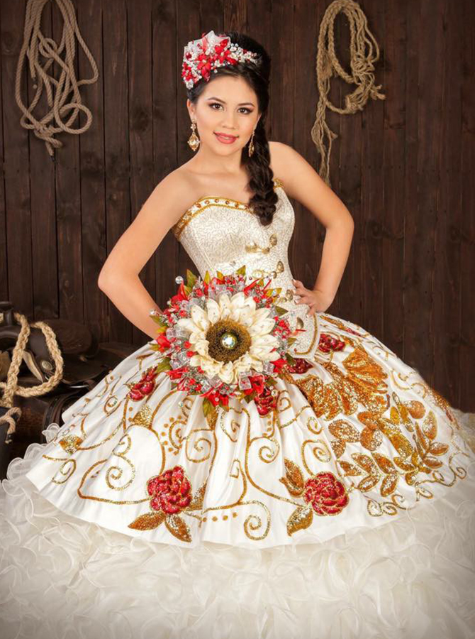 Ball Gown Sweetheart Tiered White Organza Beaded Appliques Quinceanera Dress
