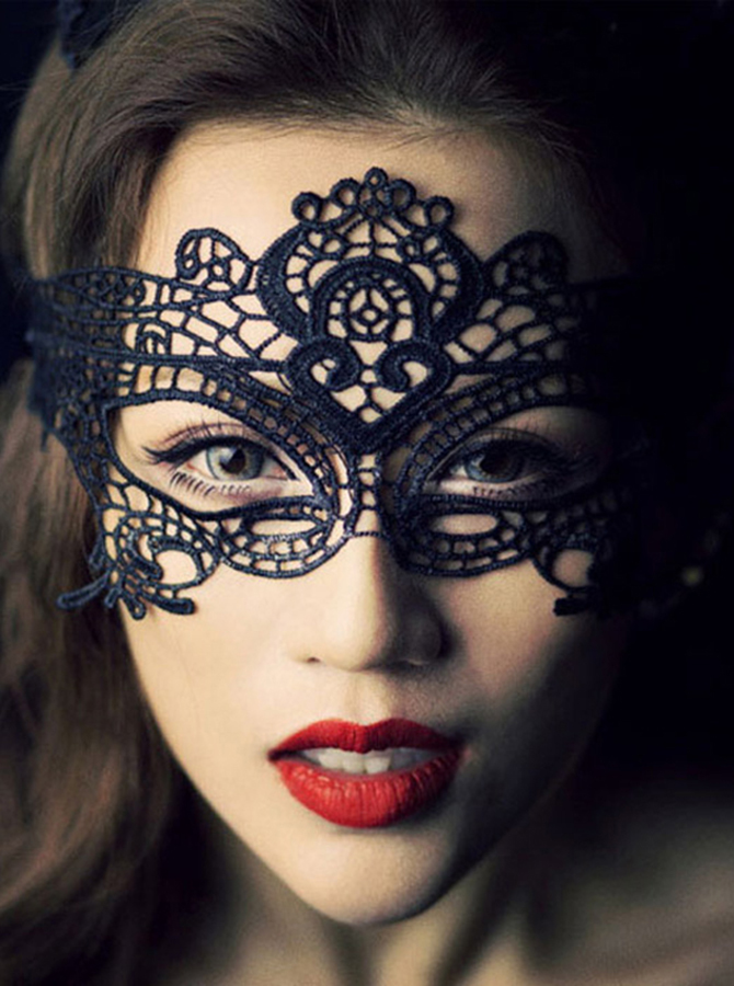Classic Catwoman Cosplay Black/White Lace Cosplay Mask фото