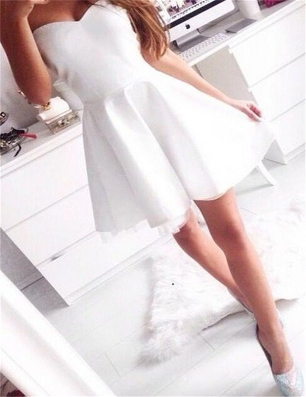 Simple-dress / Simple Sweetheart A-line Short White Satin Homecoming Dress