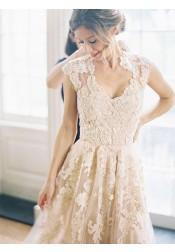 Elegant V-neck Sleeveless Floor-Length Wedding Dress with Lace