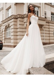 A-Line Sweetheart Sweep Train Tulle Wedding Dress with Appliques Beading