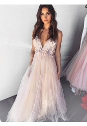 Dreamy V-neck Sleeveless Pearl Pink Tulle Floor-Length Prom Evening Dress with Appliques
