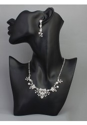 Beautiful Silver Alloy Earring and Necklace Jewelry Sets with Crystal