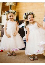 A-Line Round Neck White Tulle Flower Girl Dresses with Sash