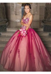 Ball Gown Sweetheart Red Tulle Quinceanera Dress with Lace Appliques