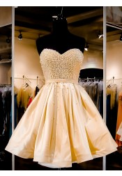 Exquisite Sweetheart Short Light Champagne Lace-UP Homecoming Party Dress with Pearls