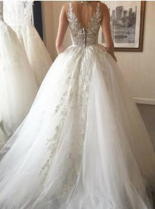 Ball Gown Round Neck Sweep Train Tulle Wedding Dress with Appliques