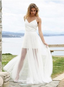 A-Line Spaghetti Straps Tulle Beach Wedding Dress with Lace