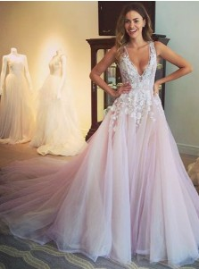 Glamorous V-neck Sleeveless Sweep Train Lilac Prom Dress with Appliques
