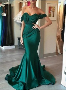 Mermaid Off-the-Shoulder Light Champagne Pleated Prom Dress