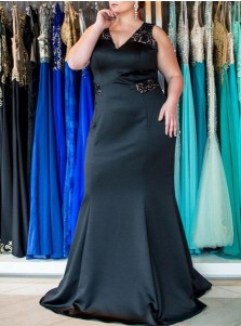 Mermaid V-Neck Open Back Black Elastic Satin Plus Size Prom Dress with Lace