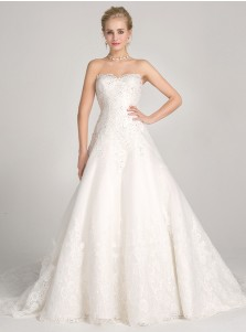 A-Line Sweetheart Court Train Tulle Appliques Wedding Dress with Beading