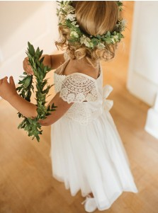 A-Line Square Cap Sleeves White Tulle Flower Girl Dress with Lace