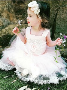 A-Line Square Neck Pink Tulle Flower Girl Dress with Appliques