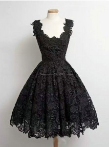 Vintage Ball Gown Scoop Knee-Length Black Lace Homecoming Dress