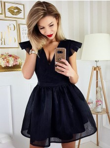 A-Line V-Neck Sleeveless Short Black Tulle Homecoming Dress