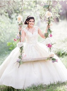 Ball Gown V-Neck Ivory Floor Length Tulle Quinceanera Dress with Appliques