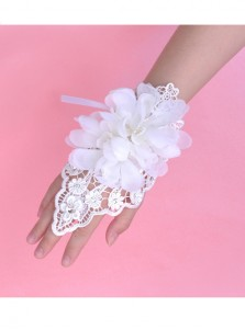 Lace White Wristband Bridal Gloves With Flowers