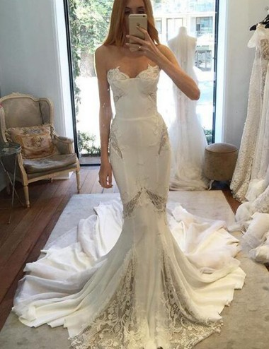 Stunning Sweetheart Sleeveless Court Train Mermaid Wedding Dress with Lace