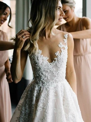 A-Line Round Neck Floor-Length Tulle Wedding Dress with Appliques