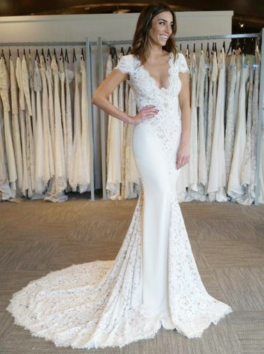Mermaid Scalloped-Edge Court Train Ivory Wedding Dress with Lace
