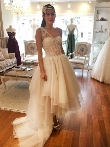 A-Line High Low One Shoulder Tulle Wedding Dress with Appliques