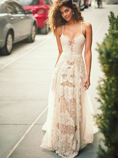 A-Line Spaghetti Straps Boho Beach Wedding Dress with Lace Appliques
