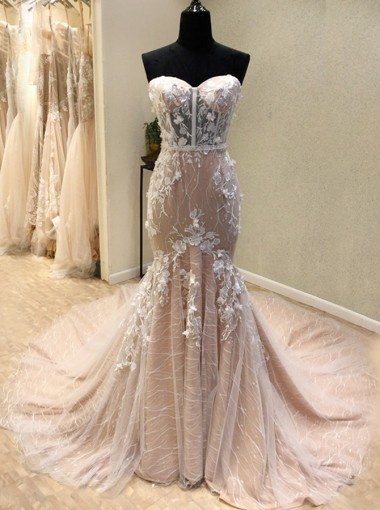 Mermaid Sweetheart Light Champagne Lace Wedding Dress with Appliques