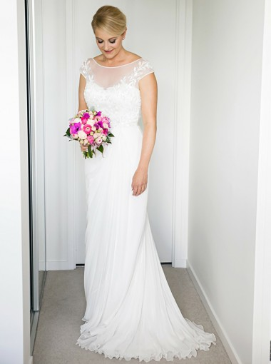 A-Line Bateau Backless Floor-Length Wedding Dress with Appliques