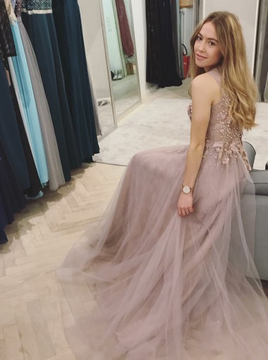 A-Line Round Neck Blush Tulle Prom Dress with Appliques Pearls