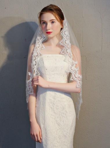 One-tier Fingertip Lace Edge 1.5m Bridal Veils