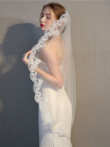 One-tier Fingertip 1m Tulle Bridal Veils with Lace Edge