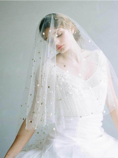 Two-tier Cut Edge Fingertip Bridal Veils with Sequins