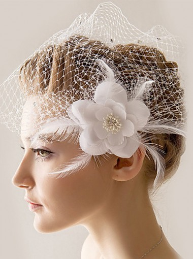 One-tier Blusher Veils with Rhinestones and Artificial Flowers