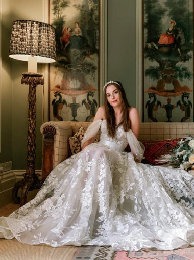 Chiffon A-Line Sleeveless Sweep Train Wedding Dress with Appliques